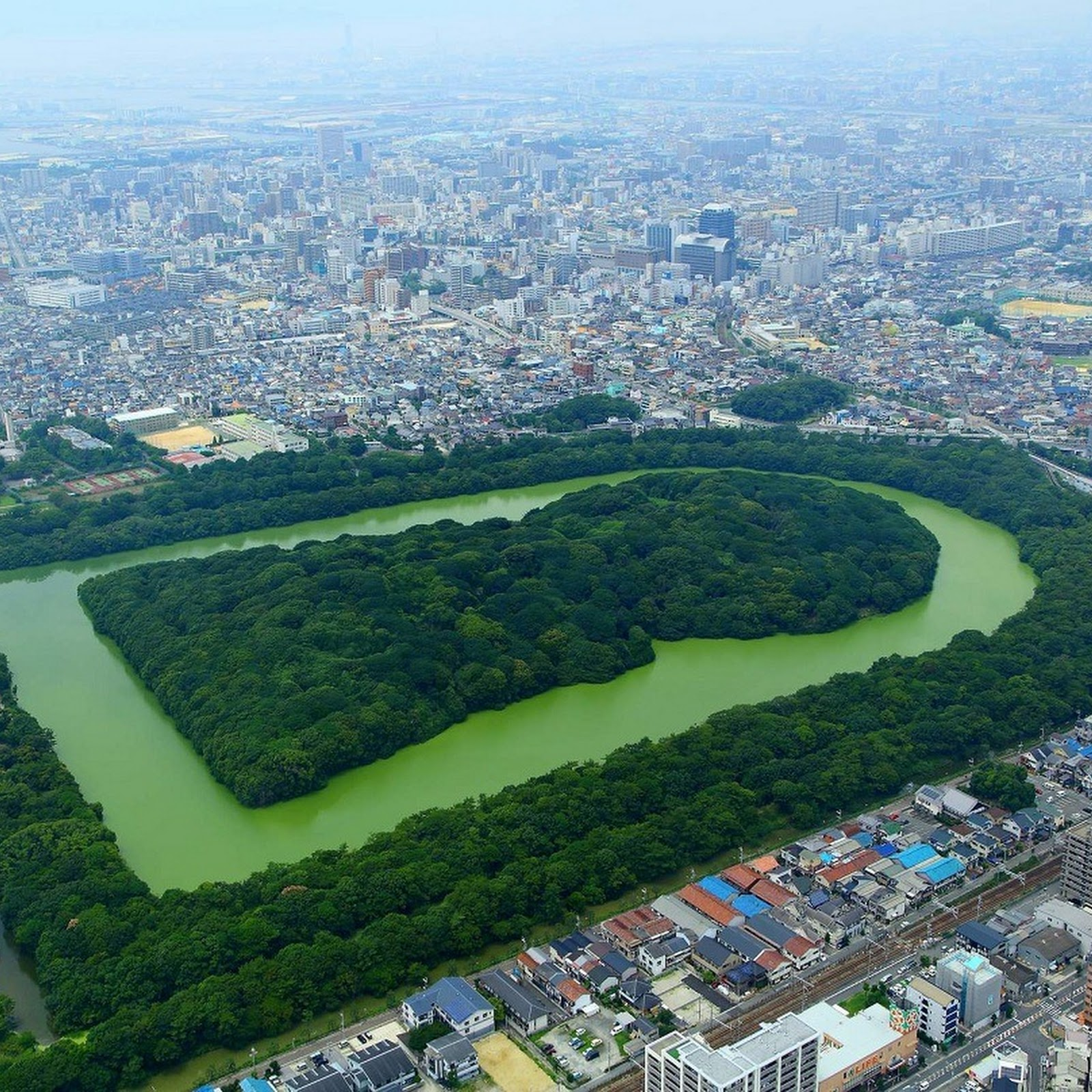 Kofun: Japan's Keyhole-Shaped Burial Mounds