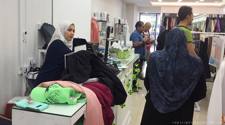 shopping_baju_raya_2018
