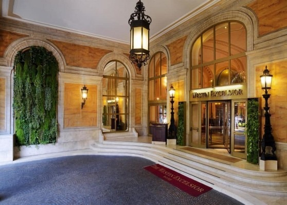 [The-Westin-Excelsior-Rome-entrance3]