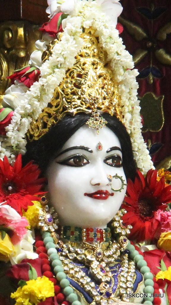 ISKCON Juhu Sringar Deity Darshan on 24th June 2016 (21)
