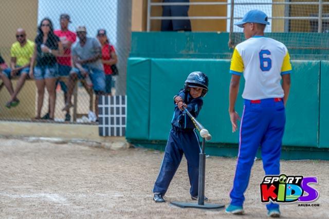 Juni 28, 2015. Baseball Kids 5-6 aña. Hurricans vs White Shark. 2-1. - basball%2BHurricanes%2Bvs%2BWhite%2BShark%2B2-1-24.jpg