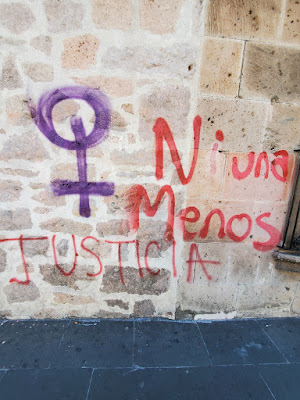 protest graffiti in Spanish