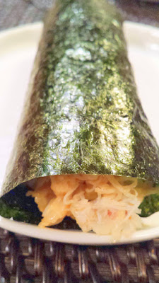 Hand roll with crab and uni