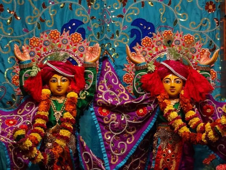 ISKCON Nigdi Deity Darshan 06 Jan 2016 (20)