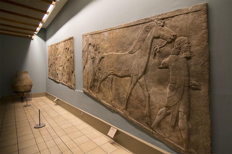 Sala del imperio asirio en el Museo Británico de Londres