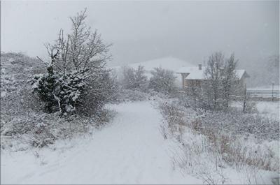 Estampa invernal de los caseríos de Eskibel - 2012