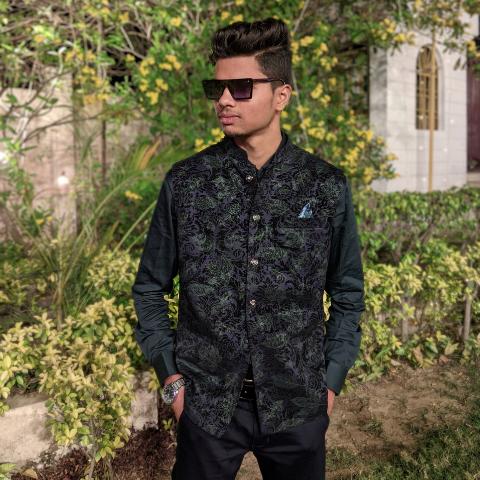 user Prateesh gangwar apkdeer profile image