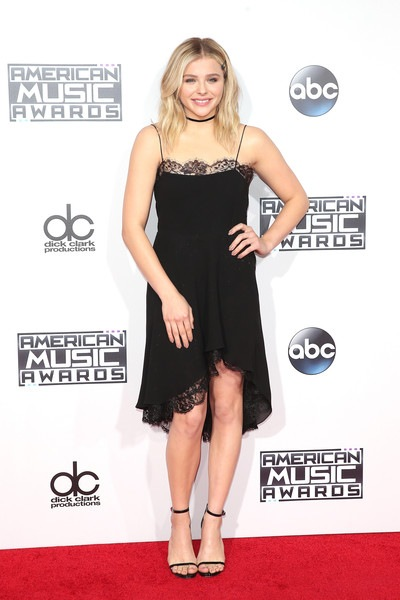 Chloe Grace Moretz attends the 2015 American Music Awards