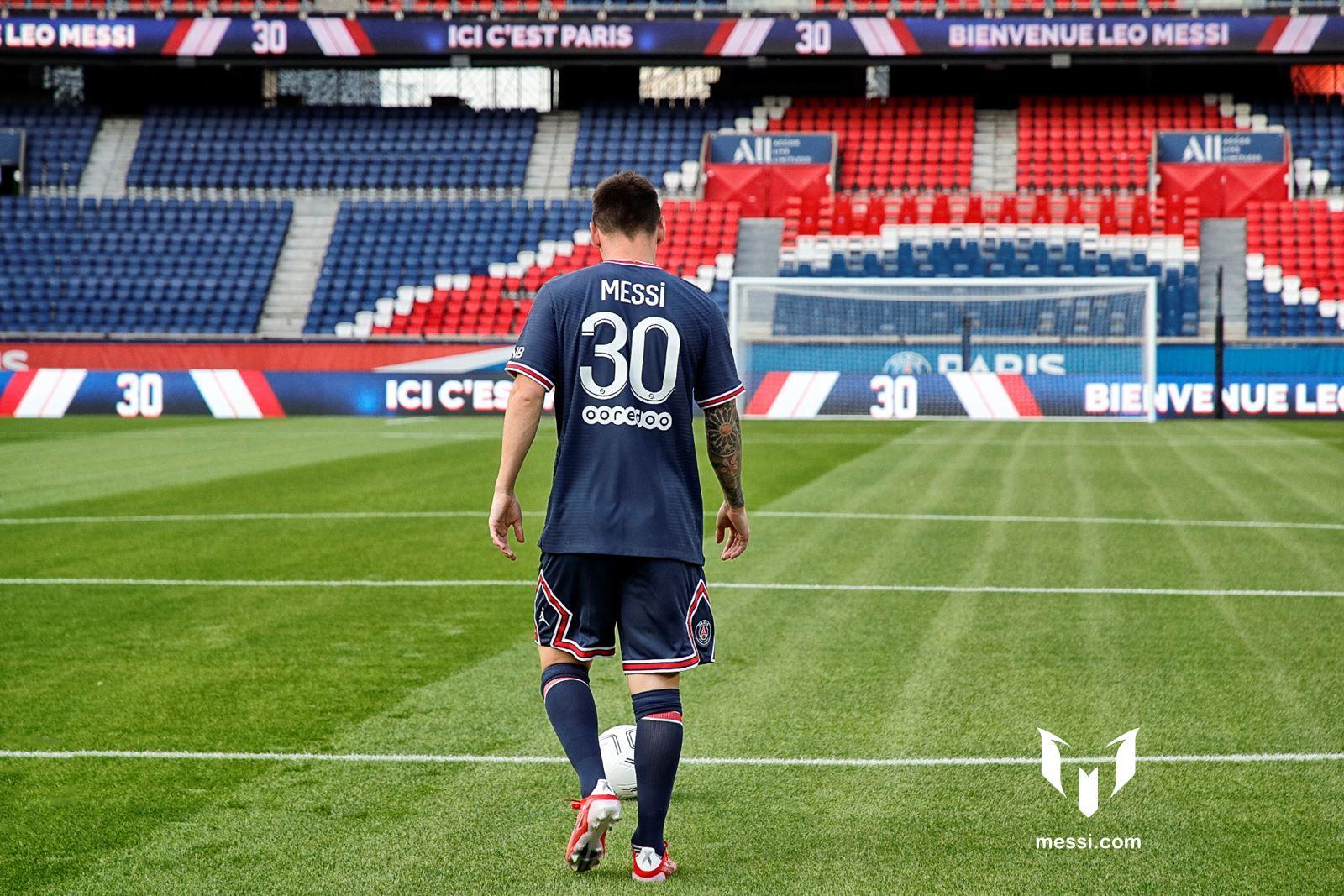 Những bước chân đầu tiên của Leo trên sân PSG
