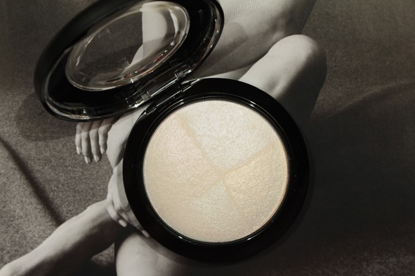 BarelyDressedMineralSkinfinishMAC12