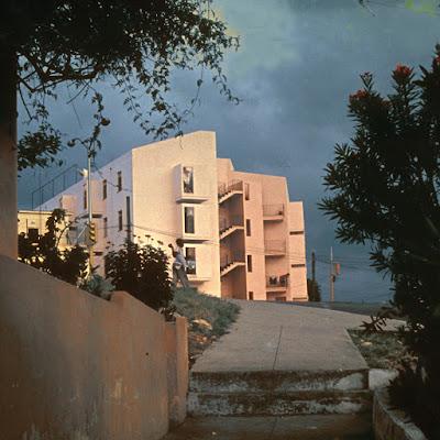 Apartamentos 60 y 31 (1961). Arquitecto: Reinaldo Togores.