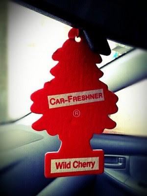 beberapa hal yang perlu anda ketahui mengenai penyebab bau apek di dalam mobil