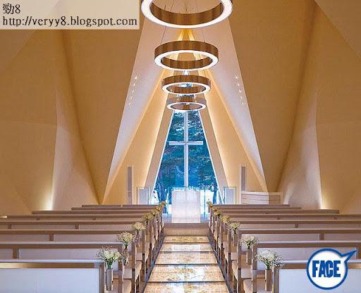 輕井澤 <br><br>去年 8月,傳出兩人會到日本輕井澤的「風之教堂」結婚,再回香港補擺喜酒。