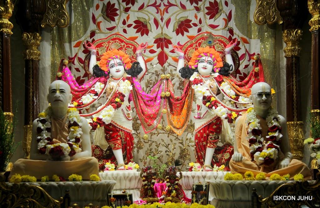 ISKCON Juhu Sringar Deity Darshan on 28th June 2016 (7)