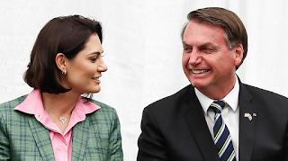 Bolsonaro desvia R$ 7,5 milhões de verba da covid para programa gerido por Michelle