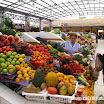 2014-03-07 10-55 Bazar q Tulcana - bogactwo owoców!.JPG
