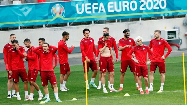 ΥΠΕΞ Β. Μακεδονίας: Η ποδοσφαιρική ομοσπονδία δεν υποχρεούται να προσαρμόσει το όνομά της στη νέα ονομασία της χώρας