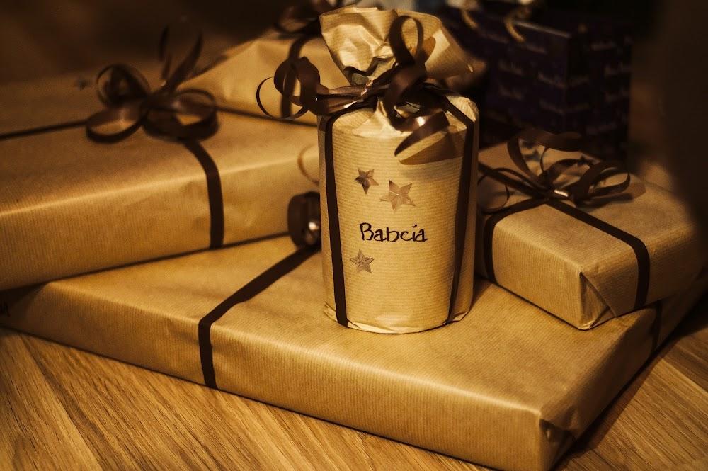 gifts-932349_1920.jpg