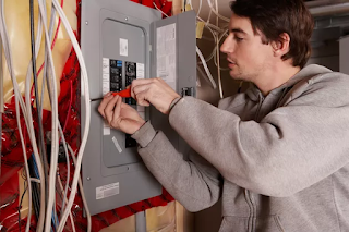 What Size Conduit and Wire Do You Use on a 100 Amp Service?