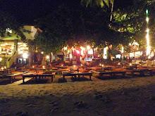 บรรยากาศร้านอาหารยามค่ำคืน - ไปเที่ยวเกาะช้าง จังหวัดตราด