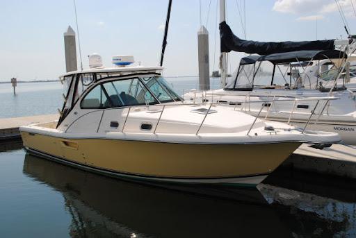 Bella Vista, 2005 Pursuit 3100 Offshore. Tampa, FL