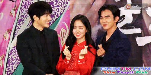 Yoo Seung Ho xấu hổ vì bắn tim quê mùa so với Kim So Hyun, L (Infinite) - Ảnh 3.