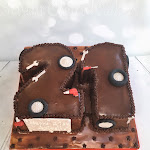 Chocolate 21 mechanic cake 2.jpg