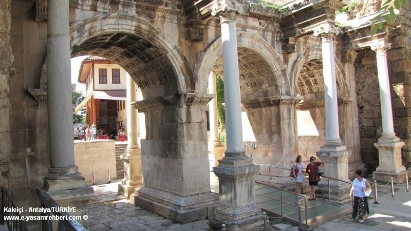 Antalya Kaleiçi ve Üç Kapılar