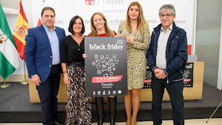 Carolina Lafita ha presentado esta iniciativa en la que participa por primera vez el Ayuntamiento de Almería.
