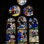 """Église Saint-Pierre de Montfort-l'Amaury : vitrail """"Vie de saint Yves"""""""