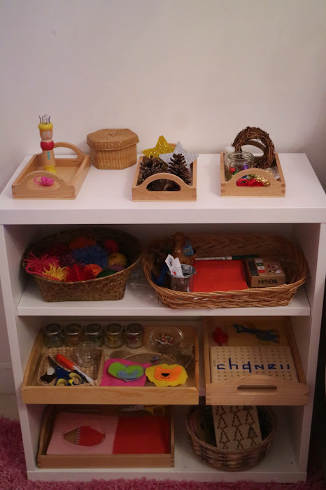 Trays Montessori, art shelf Montessori, craft shelf Montessori, activities children, Christmas ideas, children no messy activities p, winter activities children winter, what is on our shelf, French knitting, sewing tray, sewing activities children