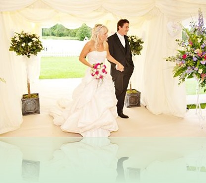 marquee-entrance-with-bride-and-groom_opt