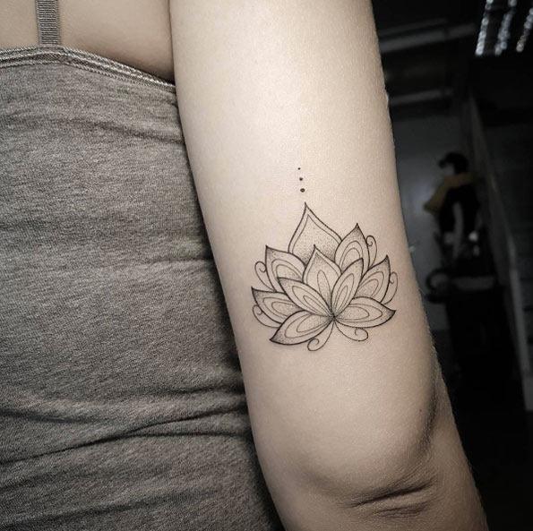 este_dotwork_lotus