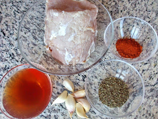 Muschi de porc cu usturoi si vin la cuptor ingrediente reteta