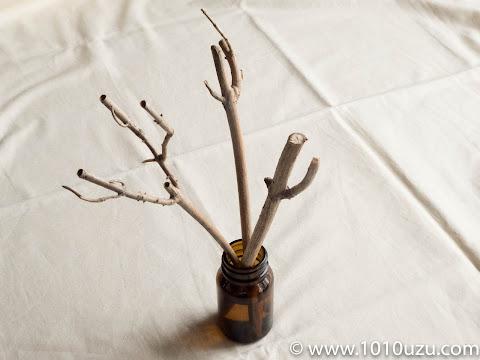 アジサイの枯れ枝のリードディフューザー