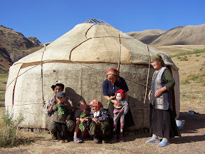 Famille nomade au Kirghistan