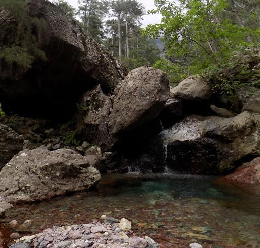 La vasque proche de la bergerie de Saltare