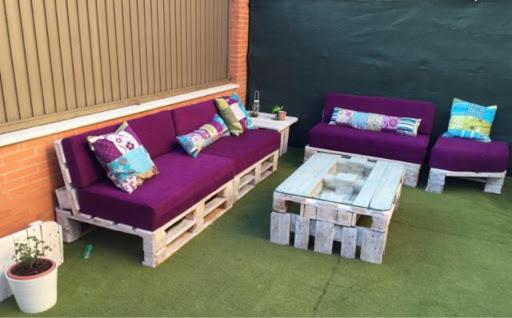 Sofas con palets y mesa - Sofas con palets ...