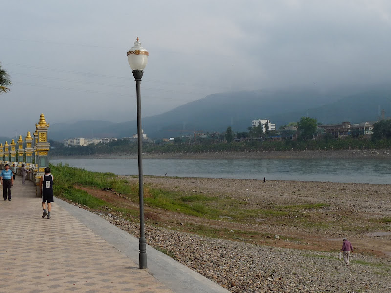 Jing Hong, le fleuve Lanciang jiang qui s�appelle Mékong  au Vietnam