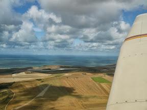 Arrivée sur le littoral avec les falaises anglaises bien visibles