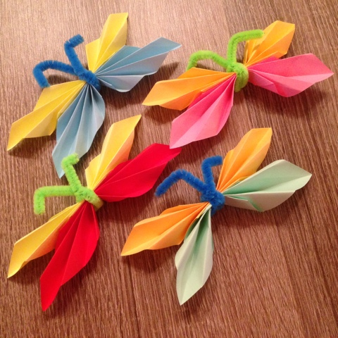 Selbstgebastelte Schmetterlinge