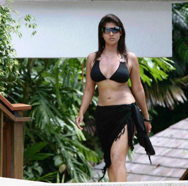 Nayantara Actress Hot Boob Cleavage