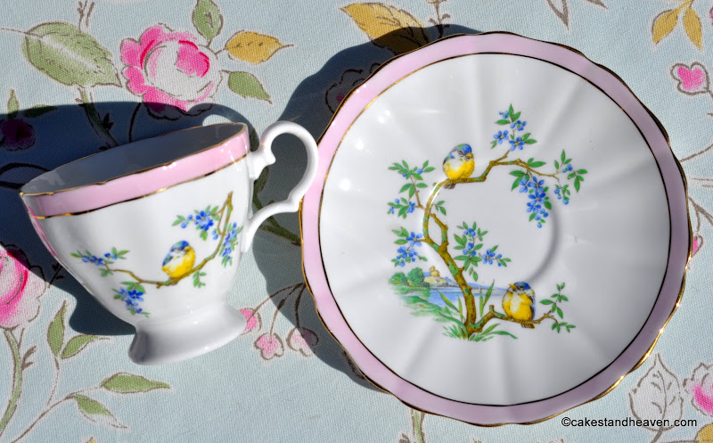 Pretty pink border frilly rimmed china teacup