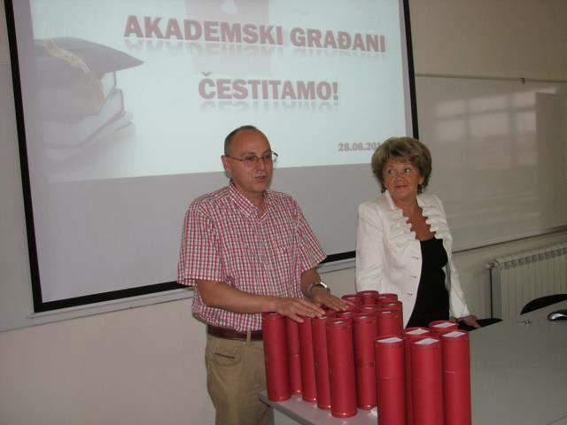 Svecana dodela diploma 2011 - IMG_9632.JPG