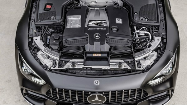 Mercedes AMG-GT engine