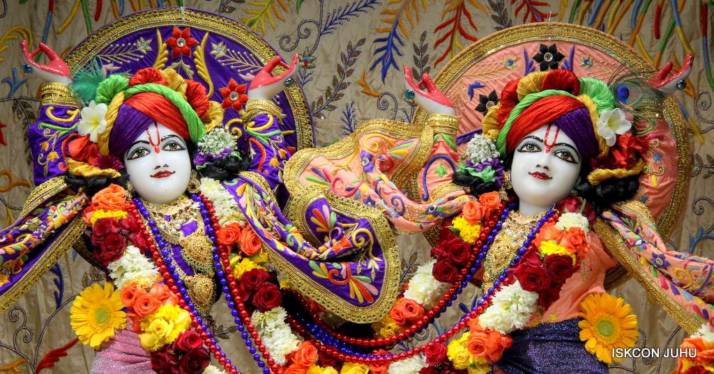 ISKCON Juhu Sringar Deity Drashan on 17th Jan 2017 (6)