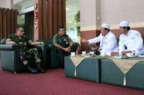 Inilah Hasil Pertemuan Kapolda Metro & Pangdam Jaya Dengan Habib Rizieq Jelang Aksi Kepung Istana.