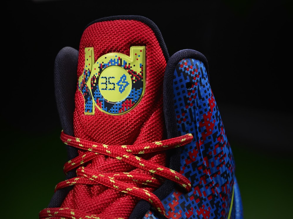 quality design 191bc 6e331 ... Nike Unveils the 2012 Christmas Pack 8211 Kobe Durant and LeBron ...
