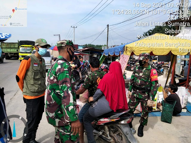 Koramil 04 Mandau Melakukan Himbauan Pendisiplinan Prokes di Pasar Sebangar Kecamatan Mandau