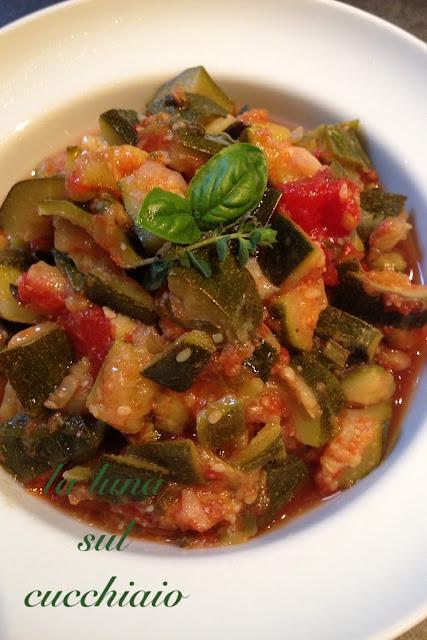 zucchine al pomodoro nel microonde